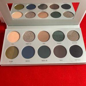 Dark magic eyeshadow palette
